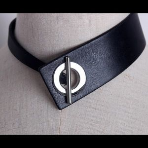 🔥Leather buckle choker🔥